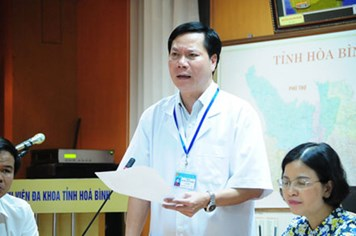Sự cố chạy thận 8 người tử vong: Cách chức Giám đốc Bệnh viện Hòa Bình