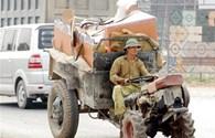 Quảng Nam: Mặc dù bị cấm, xe công nông vẫn chạy