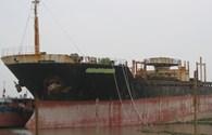"""Thủ đoạn mới - xin neo tàu để sửa chữa rồi... """"xẻ thịt"""""""