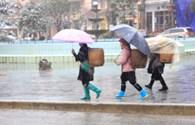 Xót lòng cảnh người dân Sa Pa vất vả mưu sinh trong mưa tuyết