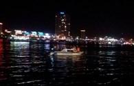 Video: Nhiều người mất tích trong vụ lật tàu trên sông Hàn