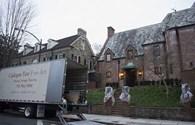 Video: Gia đình Tổng thống Obama chuyển đồ về dinh thự mới