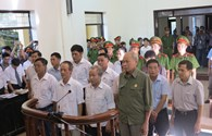 Video: Nóng xét xử 14 nguyên cán bộ liên quan đến sai phạm đất đai ở Đồng Tâm