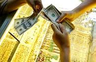 Đổ xô vào USD, vàng liên tục mất giá