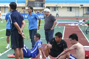 2 CLB của bầu Kiên chưa đăng ký dự mùa giải 2013