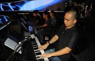 Top 7 Vietnam Idol luyện tập cùng nhạc sĩ Đức Trí