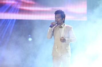 Quán quân Vietnam Idol 2012: Dùng tiền thưởng để chăm đàn lợn