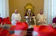 """Ngày """"hưu"""" đầu tiên của Giáo hoàng Benedict XVI"""