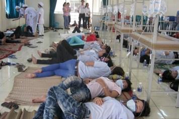 Bữa ăn giá bèo, 146 công nhân bị ngộ độc