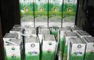 Sữa nguyên liệu thu mua từ nông dân vẫn giữ nguyên giá