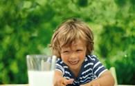 Sữa nhập khẩu có phù hợp với người Việt Nam?