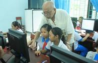 Tặng phòng học máy tính 100 triệu đồng cho học sinh Quảng Nam