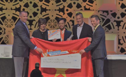 Nam sinh lớp 11 vượt mặt sinh viên đại học giành huy chương tin học văn phòng thế giới