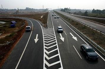 Chạy xe tuyến cao tốc Nội Bài - Lào Cai, cần lưu ý gì?