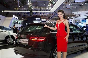 Đông Nhi gợi cảm bên xế sang nhỏ giá mềm mới của Audi