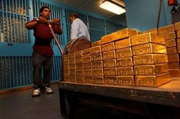 Bên trong kho vàng khổng lồ 200 tỷ USD