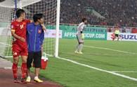 """Phía sau thất bại của ĐTVN ở AFF Cup: """"Bán độ""""?!"""