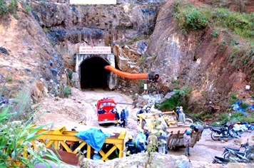 Sập hầm công trình thủy điện tại Lâm Đồng, hơn chục người mắc kẹt