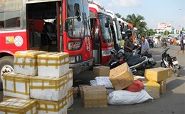 Hàng trăm đơn vị vận tải trây ỳ giảm giá cước: Cơ quan quản lý bó tay