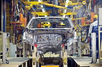 Đề xuất đổi cách tính thuế TTĐB cho xe nhập, đại diện xe nội nói gì?