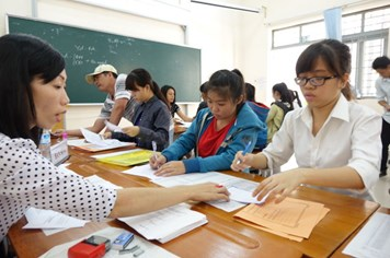 Xét tuyển đại học: Điểm cao vẫn lo rút hồ sơ