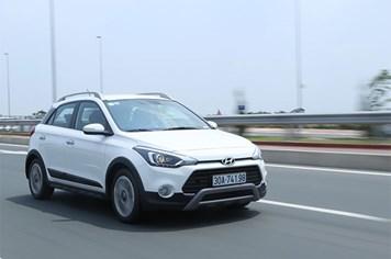 Mua xe nhỏ gầm cao hơn 600 triệu, Hyundai i20 Active nên không?