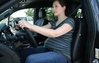 Bà bầu lái xe cần lưu ý gì?