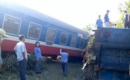 Tàu hoả đâm xe tải chở đá tại Huế, 3 người chết