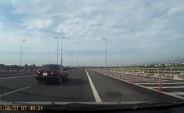 Ôtô đi lùi tốc độ cao trên cao tốc Cầu Giẽ - Ninh Bình