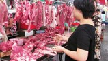 """40.000 tấn thịt lợn nhập ngoại """"làm khó"""" thịt nội"""