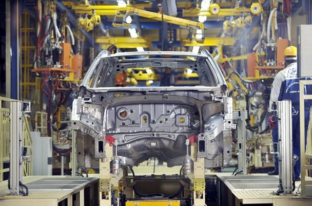 """Muốn hạ giá và có cơ hội xuất khẩu ra khu vực ASEAN, ôtô """"made in Vietnam"""" phải có tỉ lệ nội địa hoá từ 40%. Ảnh: Trần Thắng"""