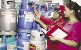 Sau giá xăng, đến lượt giá gas tăng 27.000 đồng/bình từ 1.8
