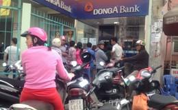 Nhiều máy ATM ngừng phục vụ ngay trước trụ sở ngân hàng
