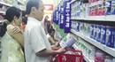 """Sữa Meiji bị """"cảnh báo"""" vẫn bán tràn lan"""