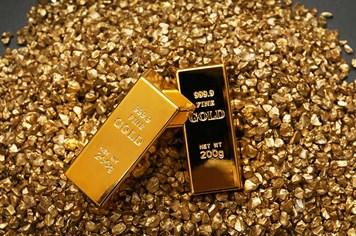 """Giá vàng hôm nay 11.8: Căng thẳng Mỹ -Triều, vàng """"nhảy vọt"""" 140 nghìn đồng/lượng"""