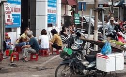 Bùng phát tái chiếm vỉa hè, lòng đường tại Hà Nội