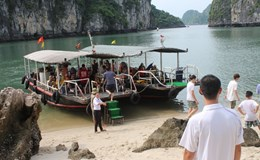 Giá vé thăm vịnh Hạ Long tăng do bán theo tuyến: Khó chiều lòng tất cả