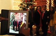 Những lát cắt nhỏ trong đêm Giáng Sinh ở Hà Nội
