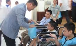 Khuyết tật vận động nhẹ có được hưởng trợ cấp hàng tháng?