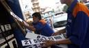 Xăng tăng thêm 1.100 đồng/lít: Tiền - hậu bất nhất