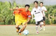 Cầu thủ tuyển Việt Nam chạy cát ở Nha Trang