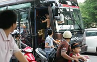 Một CĐV Việt Nam được Arsenal mời lên xe