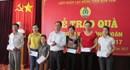 LĐLĐ tỉnh Kon Tum: Trao quà cho đoàn viên có hoàn cảnh khó khăn