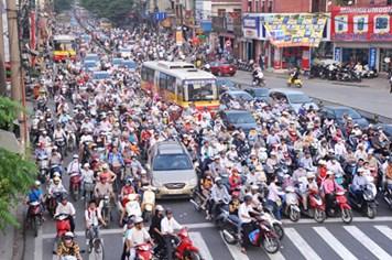Ùn tắc, tai nạn giao thông: Phạt nặng, có giảm?