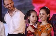 Cuộc hội ngộ bất ngờ giữa Nick Vujicic và em bé không tay chân Việt Nam