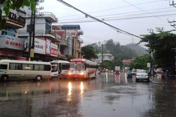Bão số 5: Mưa, gió dữ dội tại Vân Đồn, Quảng Ninh