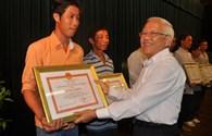 Khen thưởng 7 ngư dân tham gia cứu nạn vụ chìm canô tại Cần Giờ