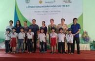 AIP tặng mũ bảo hiểm cho học sinh tiểu học tại Hải Dương