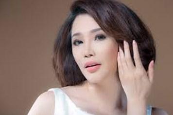 """Hồ Quỳnh Hương: """"Tôi không xinh cũng không xấu"""""""
