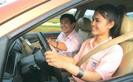 Đàn bà lái xe thì đã sao?